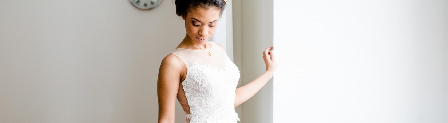 Eine Braut im Büro